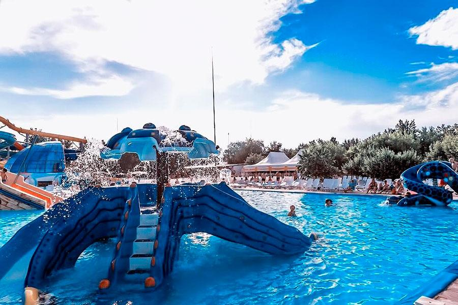 Аквапарк Лава в Яровом: бассейн